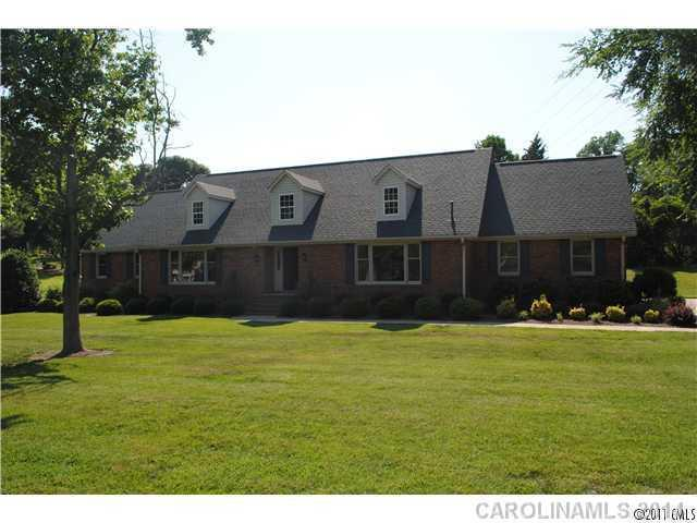 1121 Smith Street, Albemarle, NC 28001 (#2218044) :: Stephen Cooley Real Estate Group