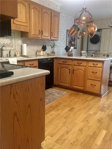 4343 Woodglen Lane, Charlotte, NC 28226 (#3331459) :: Miller Realty Group