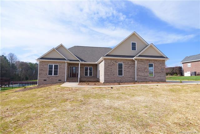 916 Clear Creek Circle, Lincolnton, NC 28092 (#3352489) :: LePage Johnson Realty Group, LLC