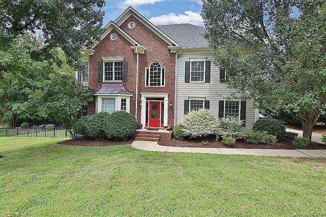 21513 Crown Lake Drive, Cornelius, NC 28031 (#3377360) :: Roby Realty