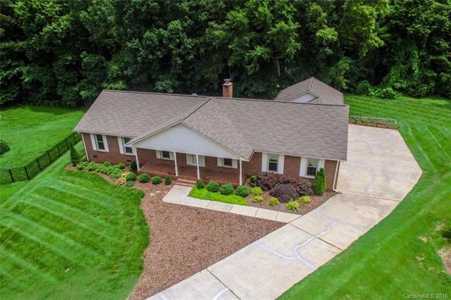 16569 Kimbolten Drive, Huntersville, NC 28078 (#3397172) :: Miller Realty Group