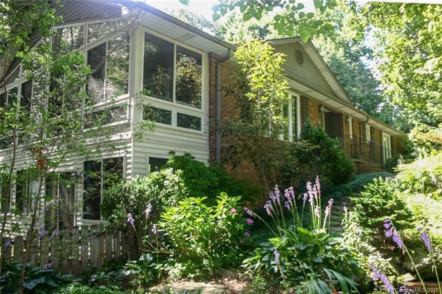 104 Woodhaven Drive #75, Hendersonville, NC 28739 (#3399077) :: MartinGroup Properties