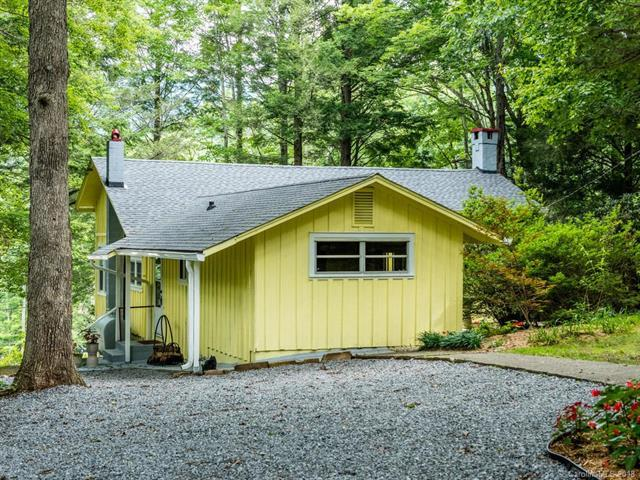 15 Florida Avenue, Black Mountain, NC 28711 (#3404768) :: Odell Realty