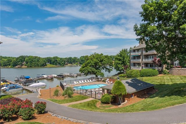 9801 Emerald Point Drive #3, Charlotte, NC 28278 (#3426247) :: The Ramsey Group