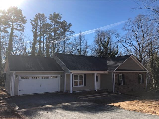 1150 24th Ave Place NE, Hickory, NC 28601 (#3433398) :: High Performance Real Estate Advisors