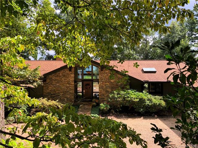 156 Echo Circle, Hendersonville, NC 28739 (#3437647) :: Charlotte Home Experts
