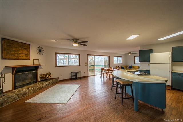 943 Hoot Owl Road, Spruce Pine, NC 28777 (#3477435) :: Besecker Homes Team