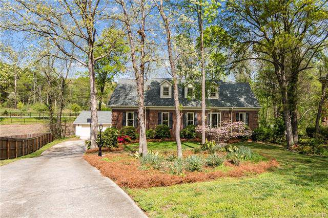 4400 Pebble Pond Drive, Charlotte, NC 28226 (#3495514) :: Scarlett Property Group