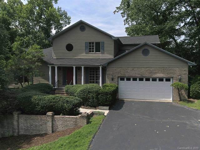 831 Sunlight Ridge Drive, Hendersonville, NC 28792 (#3519842) :: Keller Williams Professionals
