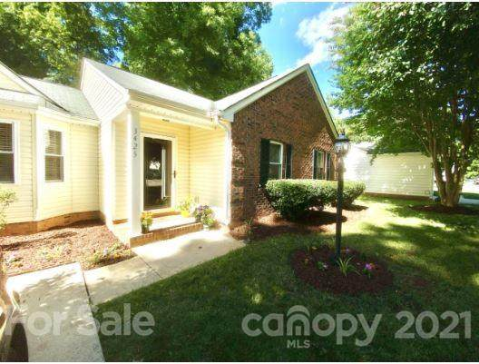 3425 Covington Oaks Drive, Charlotte, NC 28205 (#3758718) :: Keller Williams Realty Lake Norman Cornelius