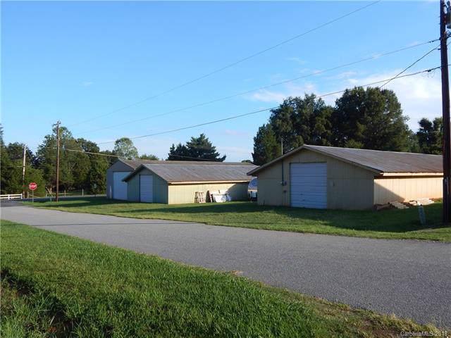 4679 Maiden Highway, Maiden, NC 28650 (#3424619) :: Charlotte Home Experts