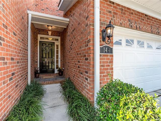 144 Villa Lake Drive, Fort Mill, SC 29708 (#3430848) :: High Performance Real Estate Advisors