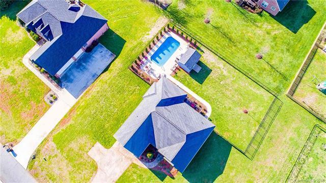 1015 Clear Creek Circle #19, Lincolnton, NC 28092 (#3371218) :: LePage Johnson Realty Group, LLC