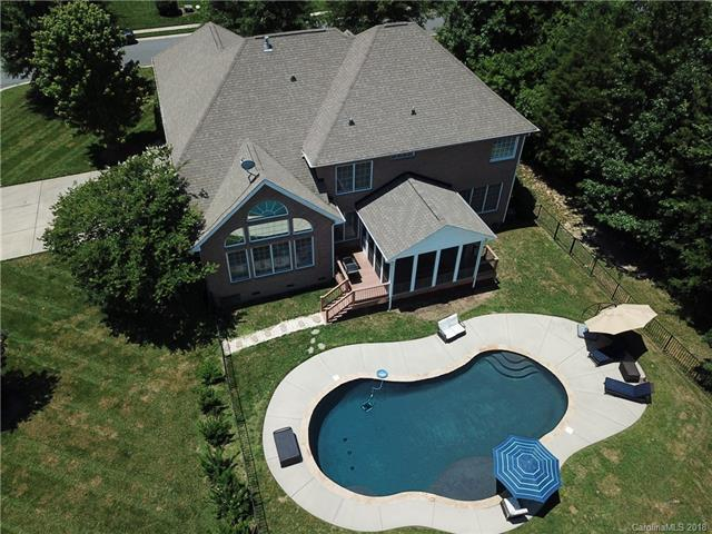 1231 Dobson Drive, Waxhaw, NC 28173 (#3400219) :: Exit Mountain Realty