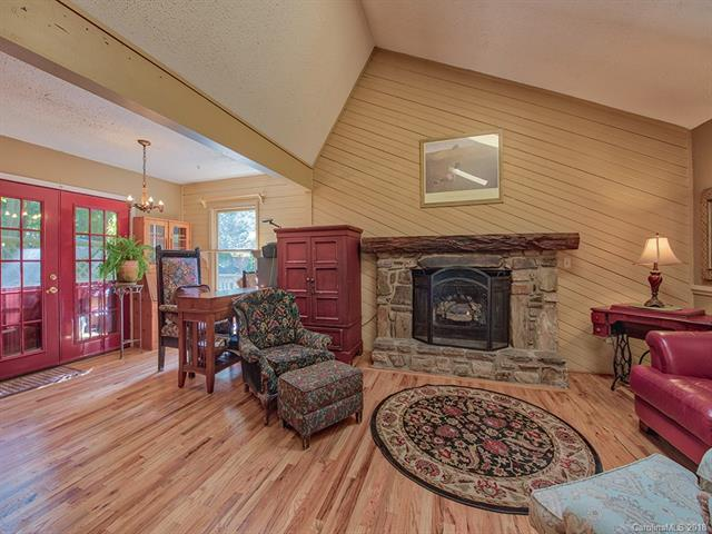 49 Canary Lane, Maggie Valley, NC 28751 (#3437065) :: MartinGroup Properties