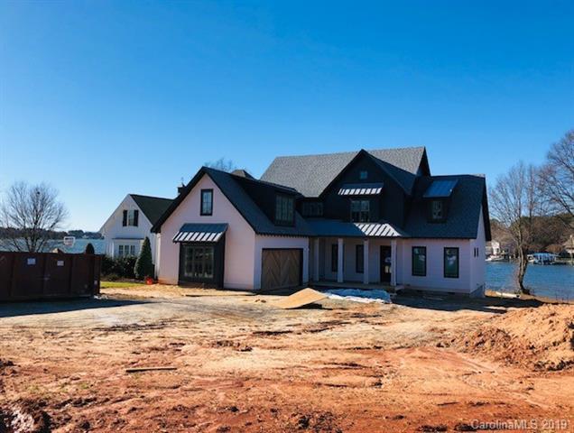21109 Lakeview Circle, Cornelius, NC 28031 (#3439700) :: Carlyle Properties