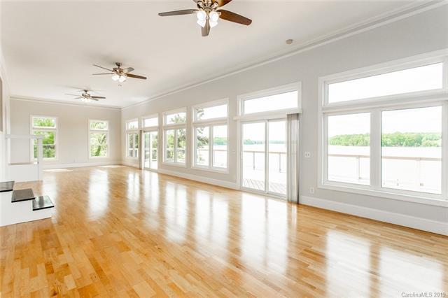 8932 Lynn Parker Lane, Charlotte, NC 28278 (#3498140) :: High Performance Real Estate Advisors