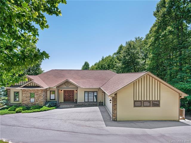 407 Gateway Drive 15 & 16, Hendersonville, NC 28739 (#3399142) :: Rinehart Realty