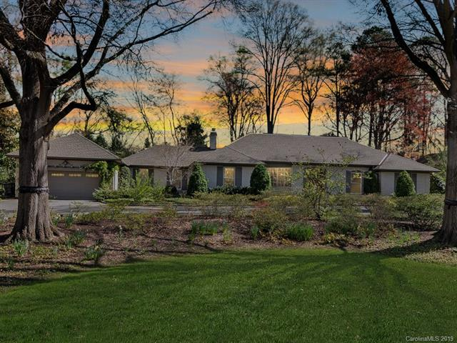 3814 Columbine Circle, Charlotte, NC 28211 (#3488618) :: MartinGroup Properties