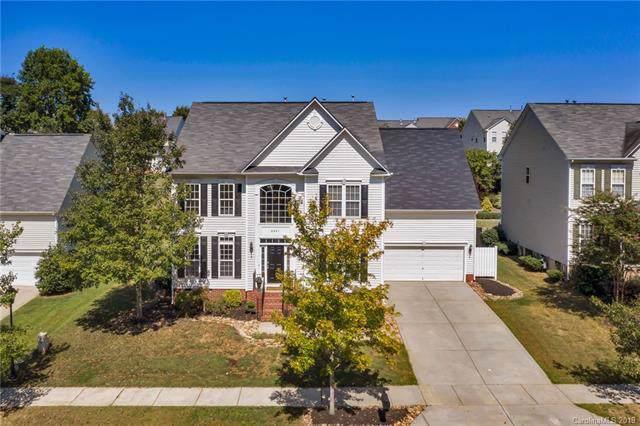 3921 Laurel Berry Lane, Huntersville, NC 28078 (#3528028) :: MartinGroup Properties
