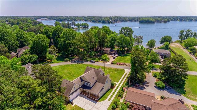 21020 Lakeview Circle, Cornelius, NC 28031 (#3393358) :: High Performance Real Estate Advisors
