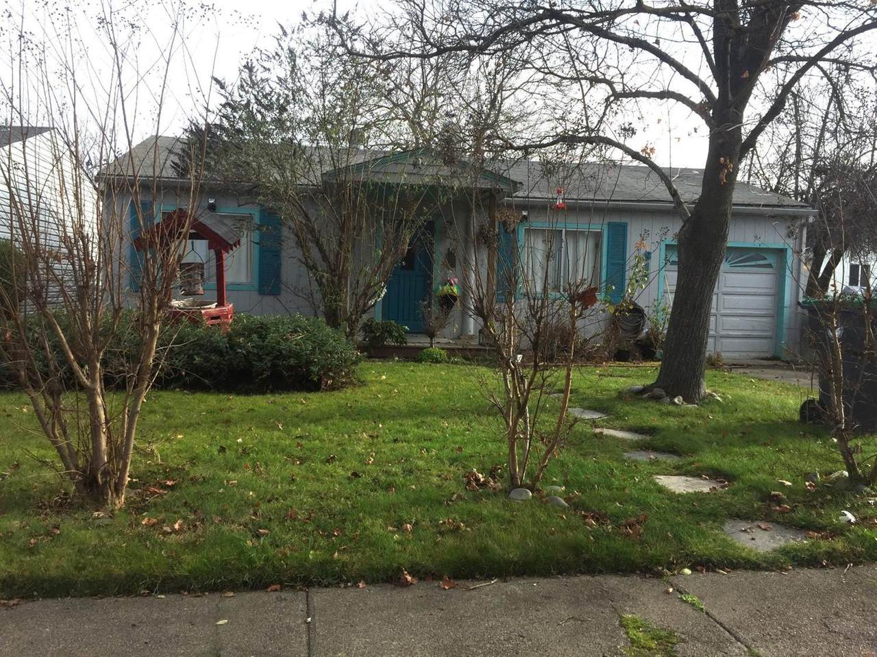 817 Peach Street - Photo 1