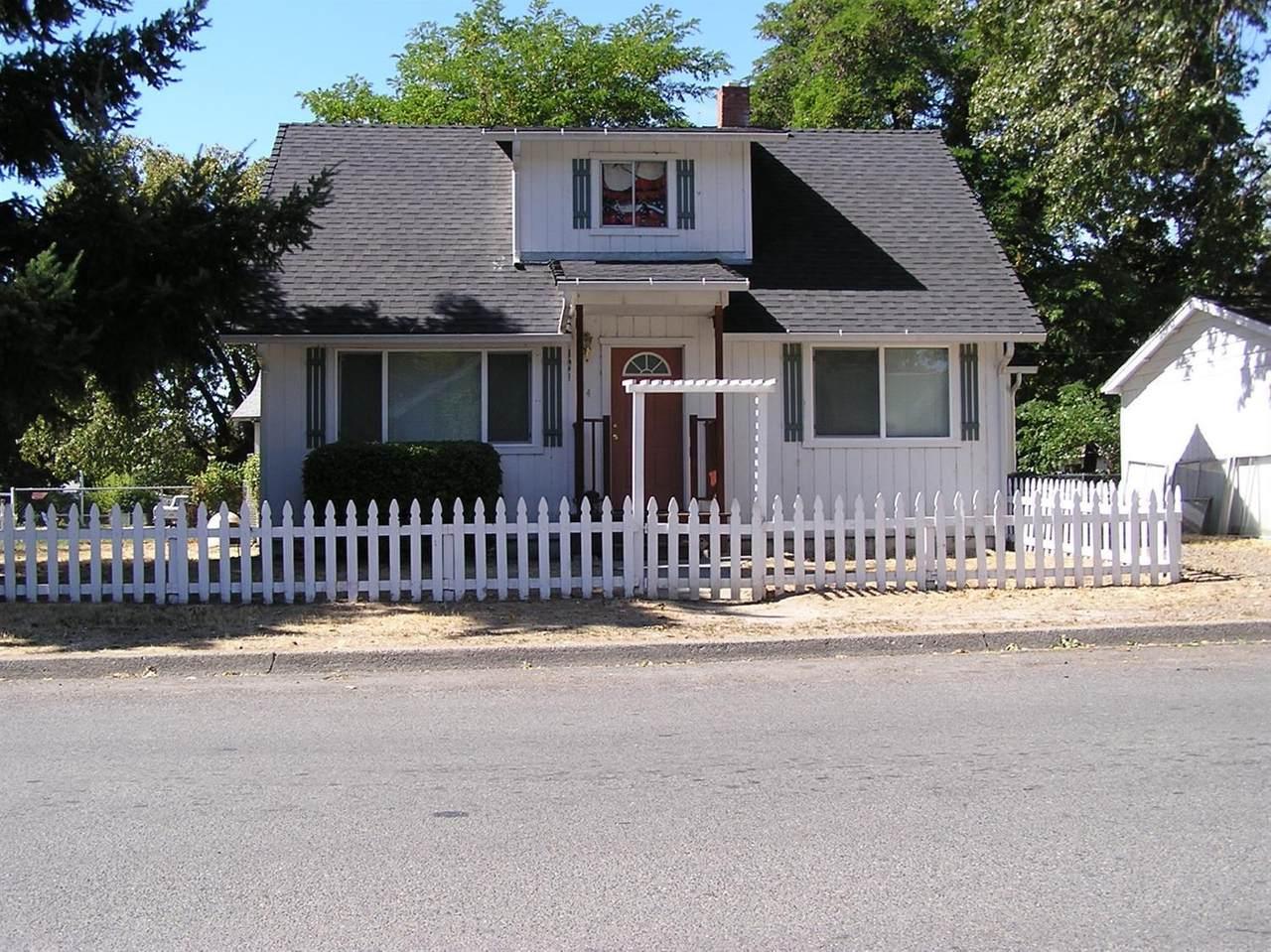 514 Pine Street - Photo 1