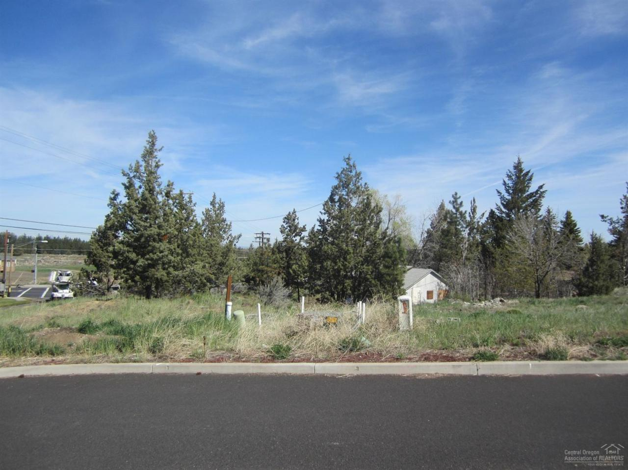 2642 NE Altair Court, Bend, OR 97701 (MLS #201600554) :: Birtola Garmyn High Desert Realty