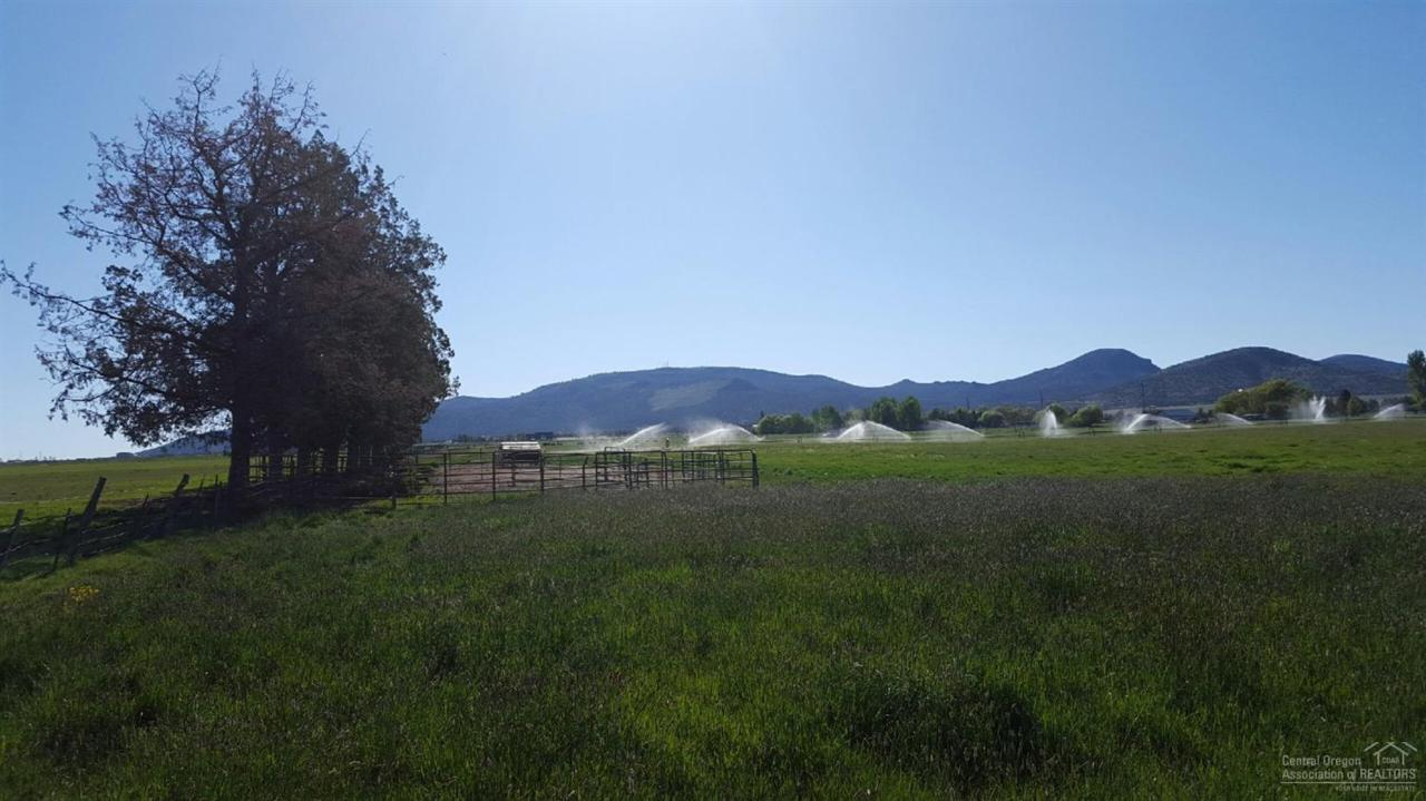 0 Powell Butte Highway, Powell Butte, OR  (MLS #201604051) :: Birtola Garmyn High Desert Realty