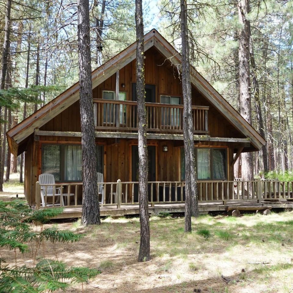 13245 SW Tract C Lane, 1/4 Share, Camp Sherman, OR 97730 (MLS #201604288) :: Birtola Garmyn High Desert Realty