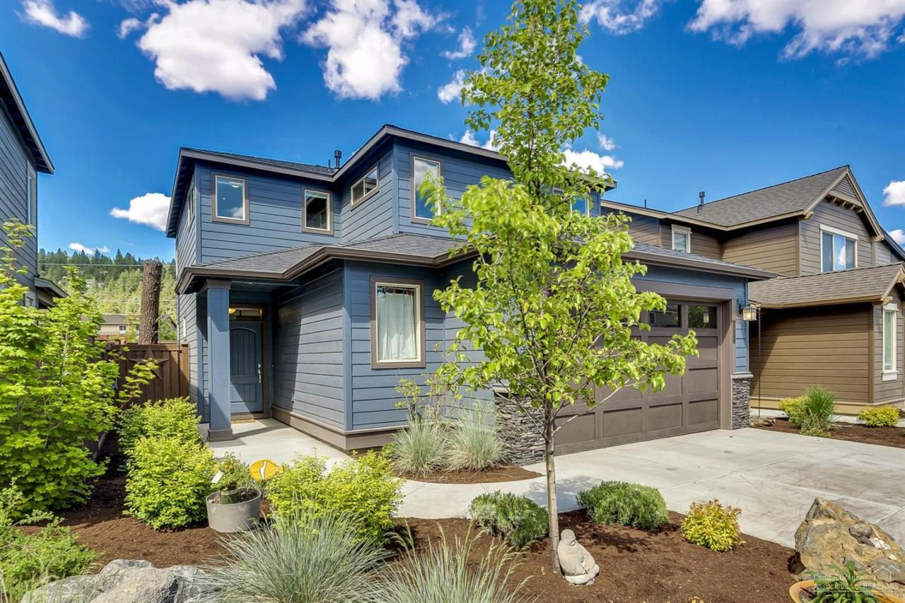 1816 NW Element Place, Bend, OR 97701 (MLS #201604688) :: Birtola Garmyn High Desert Realty