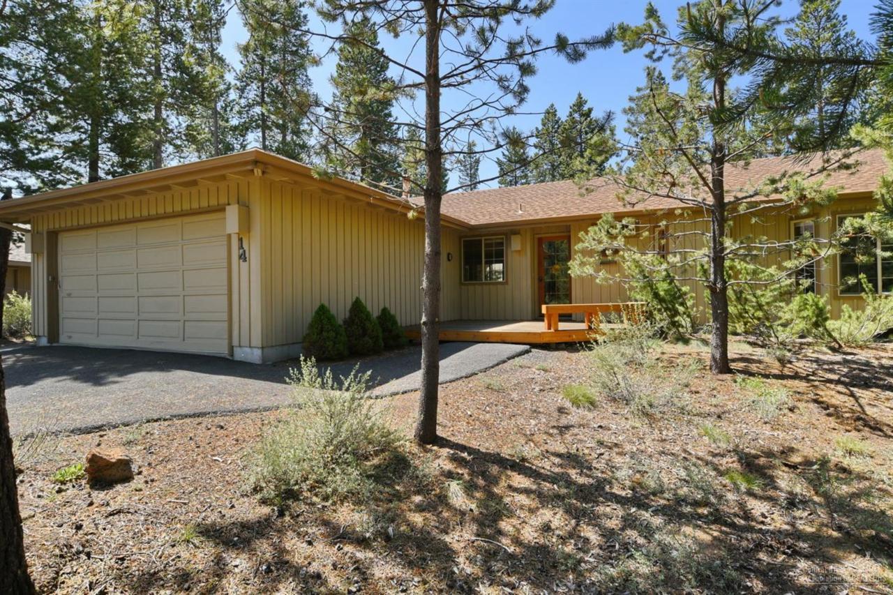 14 Ollalie Lane, Sunriver, OR 97707 (MLS #201604889) :: Birtola Garmyn High Desert Realty