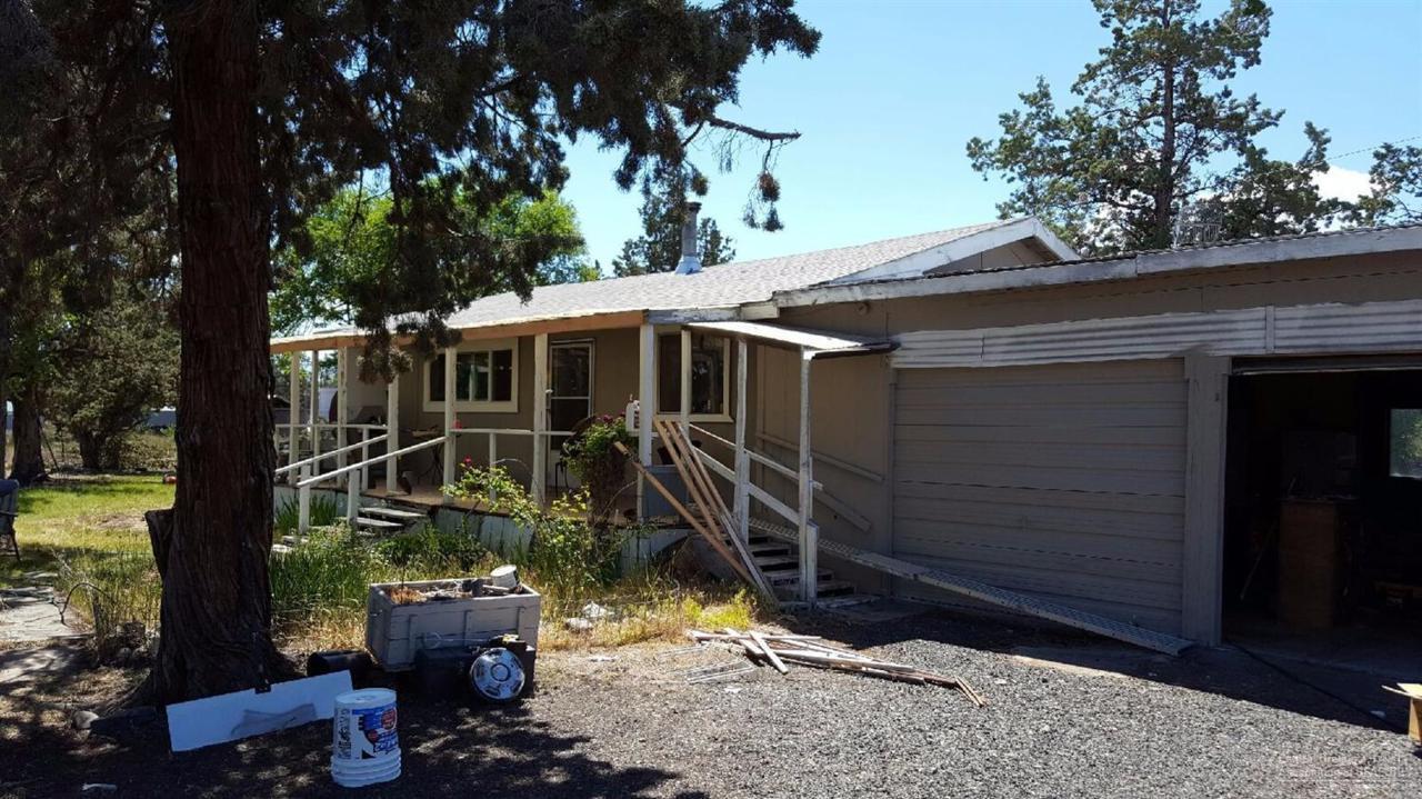 5255 SW Mcvey Avenue, Redmond, OR 97756 (MLS #201605650) :: Birtola Garmyn High Desert Realty