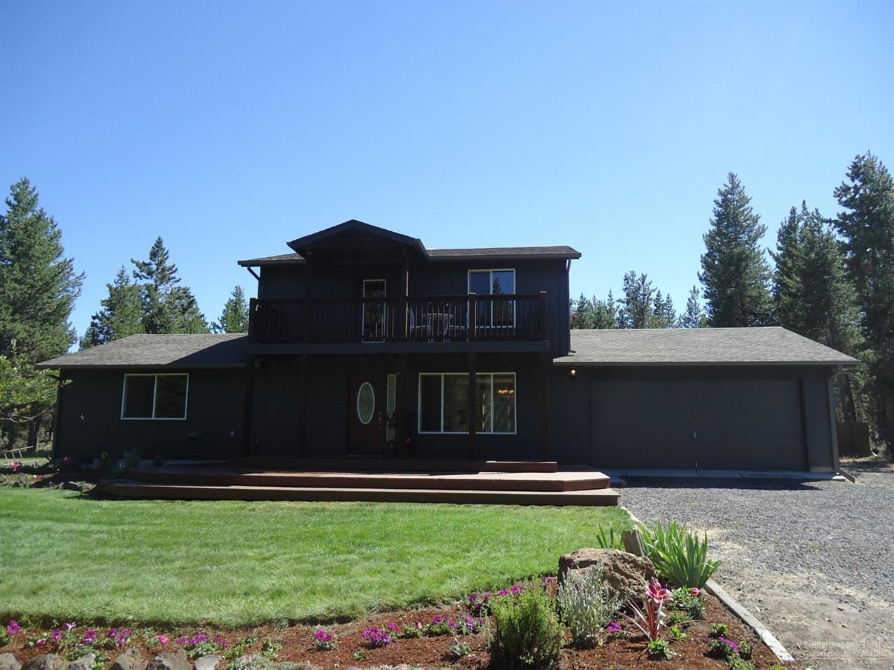 16465 White Buck Avenue, La Pine, OR 97739 (MLS #201607578) :: Birtola Garmyn High Desert Realty