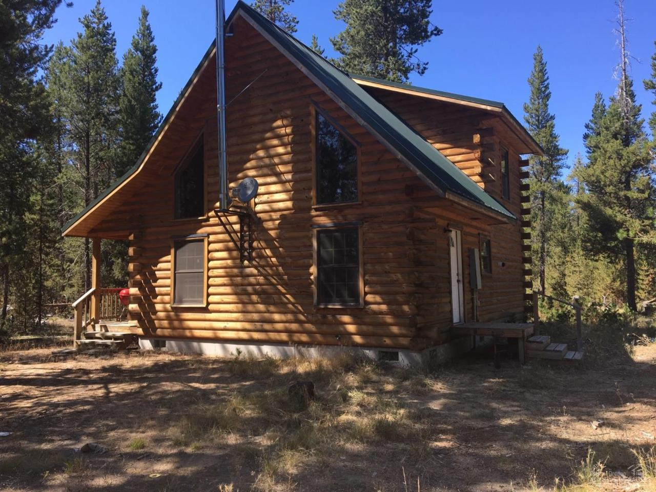 15770 Greenwood Drive, La Pine, OR 97739 (MLS #201607918) :: Birtola Garmyn High Desert Realty