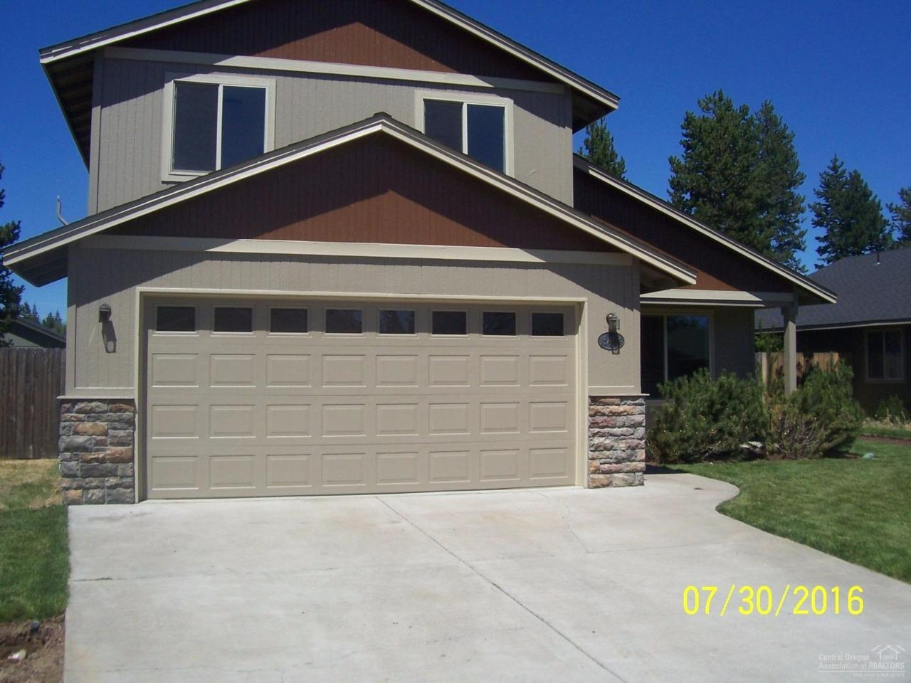 16464 Riley Drive, La Pine, OR 97739 (MLS #201608389) :: Birtola Garmyn High Desert Realty