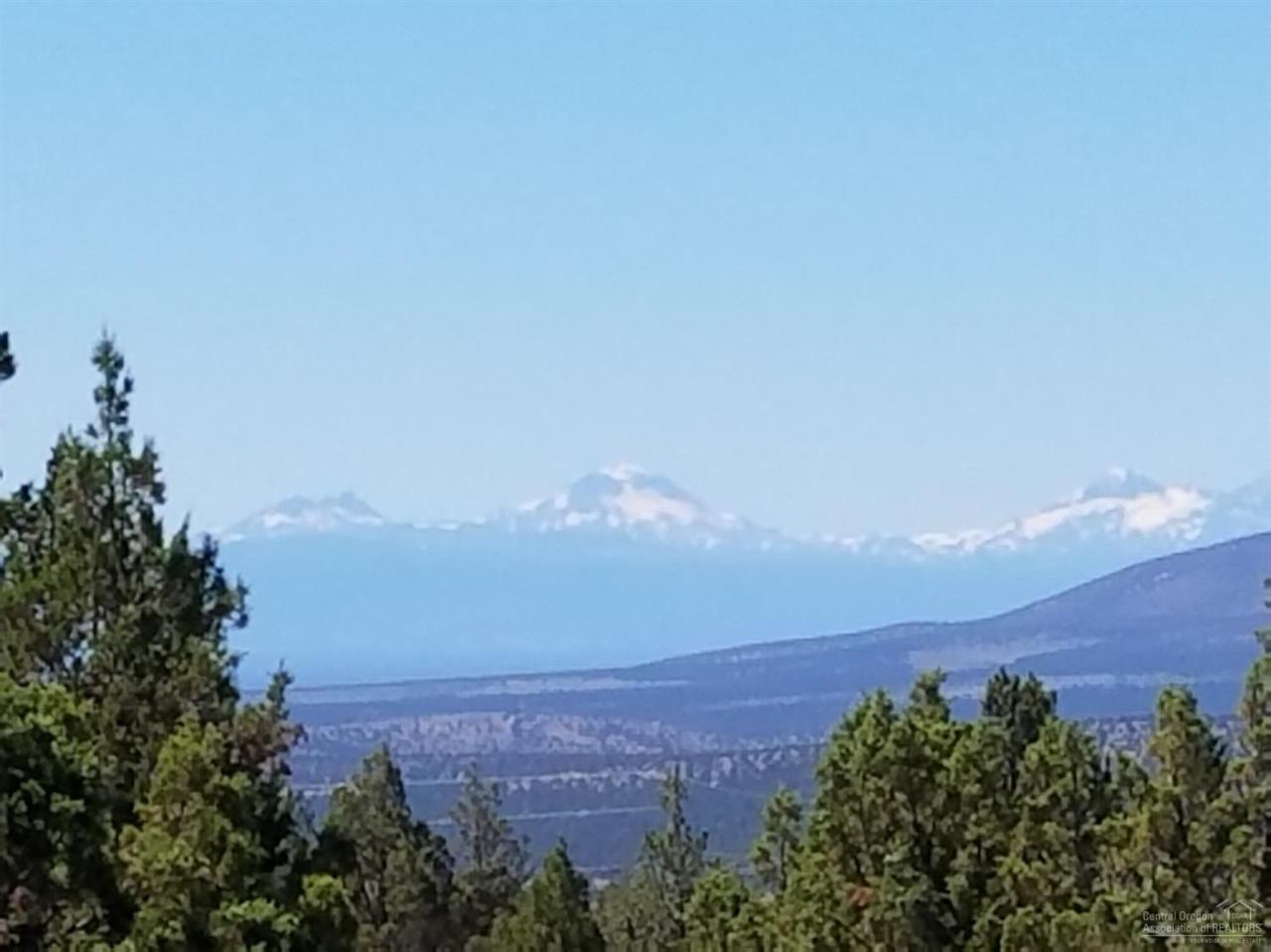 15900 SE Winchester Loop, Prineville, OR 97754 (MLS #201608584) :: Birtola Garmyn High Desert Realty