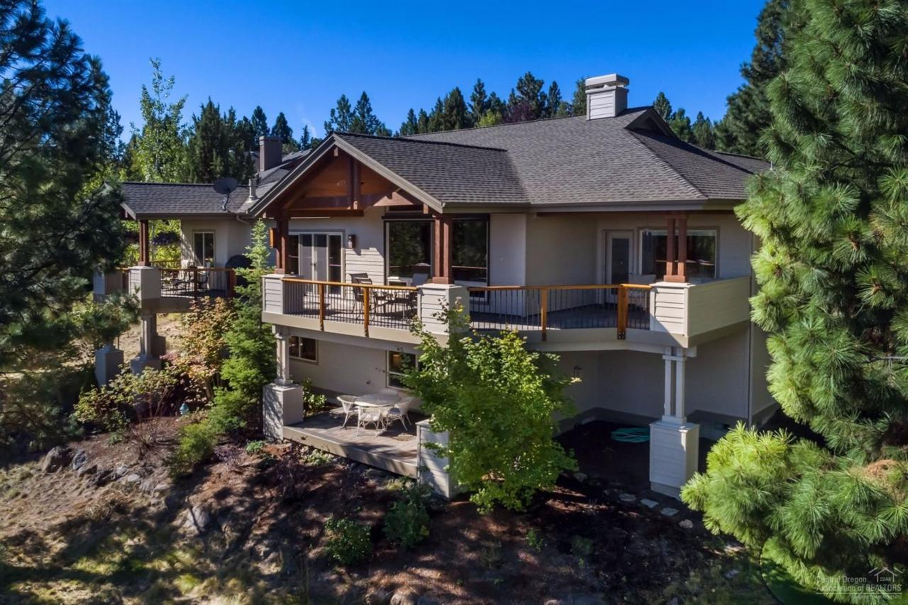 3644 NW Cotton Place, Bend, OR 97701 (MLS #201608774) :: Birtola Garmyn High Desert Realty