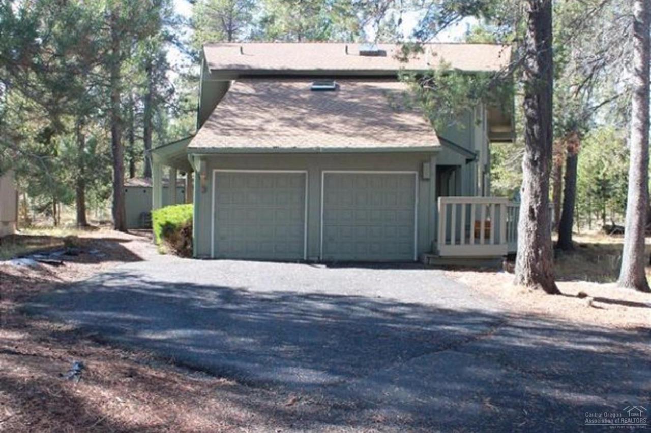 3 Indian Lane, Sunriver, OR 97707 (MLS #201609063) :: Birtola Garmyn High Desert Realty