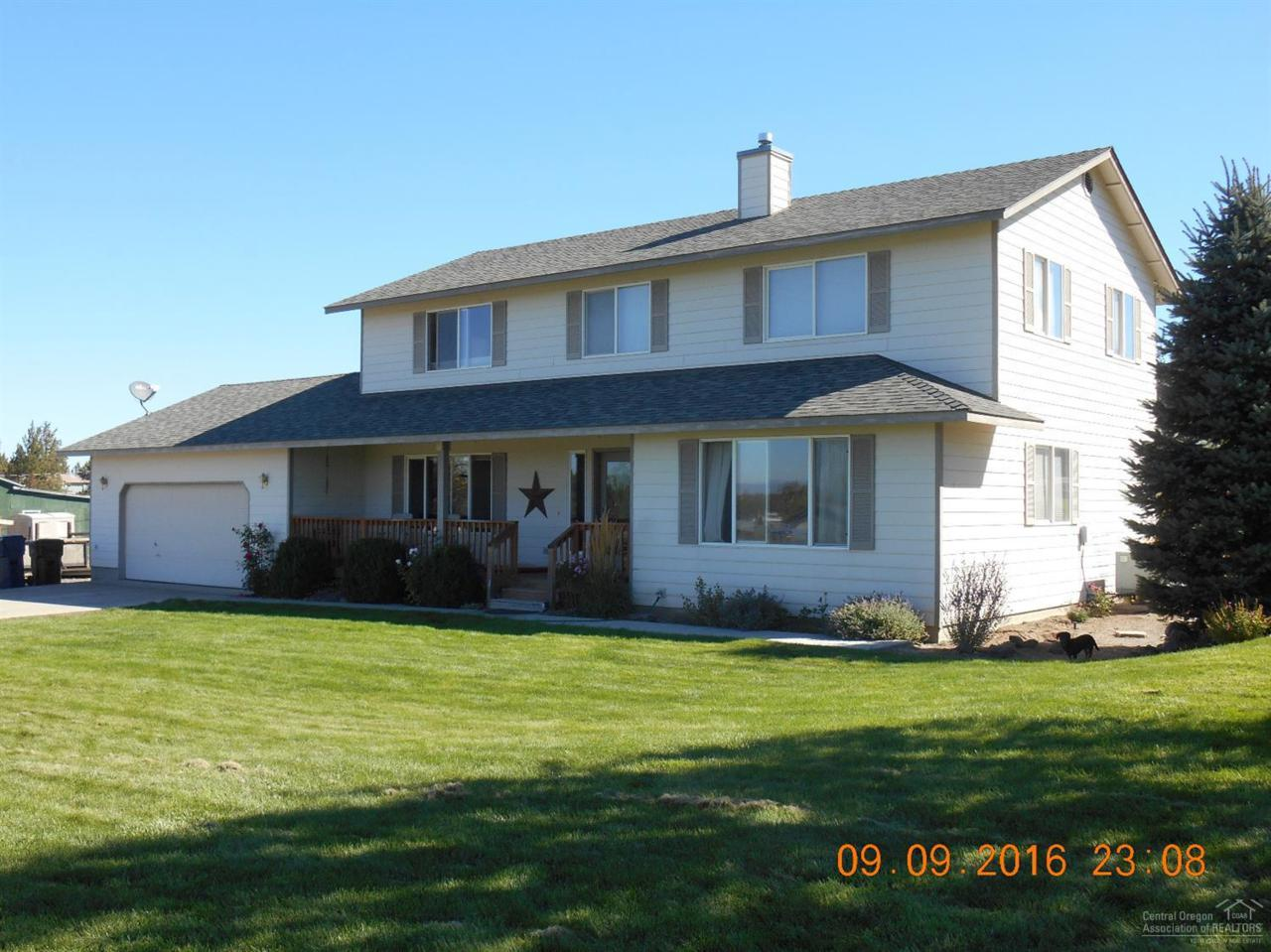1616 NW 53rd Street, Redmond, OR 97756 (MLS #201609299) :: Birtola Garmyn High Desert Realty