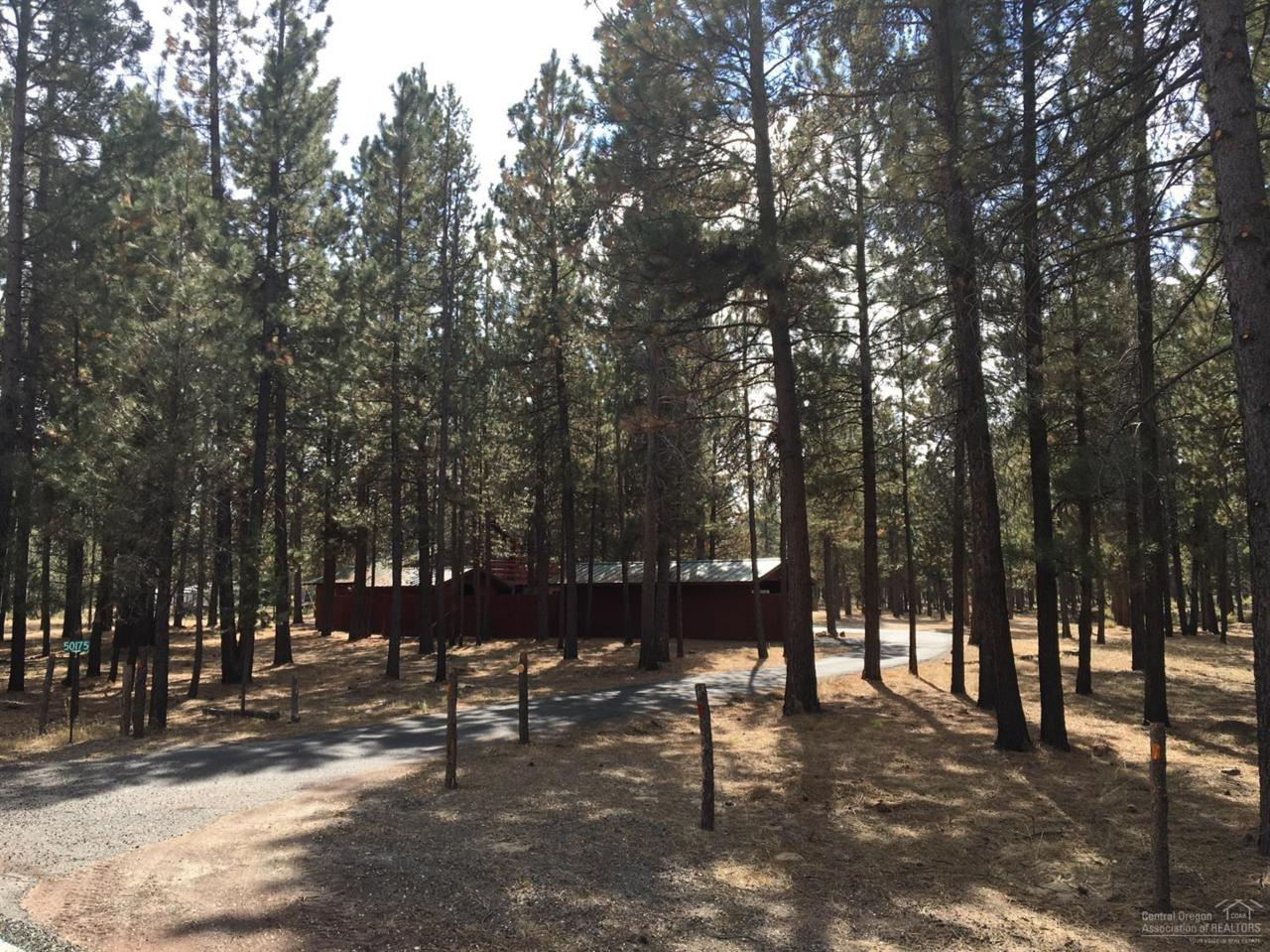 50175 Collar Drive, La Pine, OR 97739 (MLS #201609480) :: Birtola Garmyn High Desert Realty