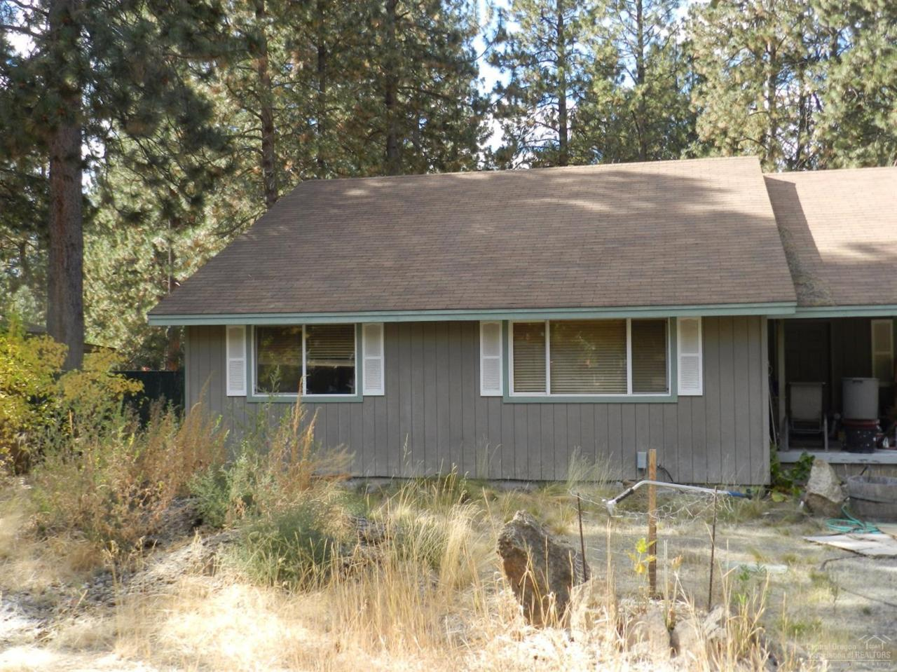 19238 Galen Road, Bend, OR 97702 (MLS #201609637) :: Birtola Garmyn High Desert Realty