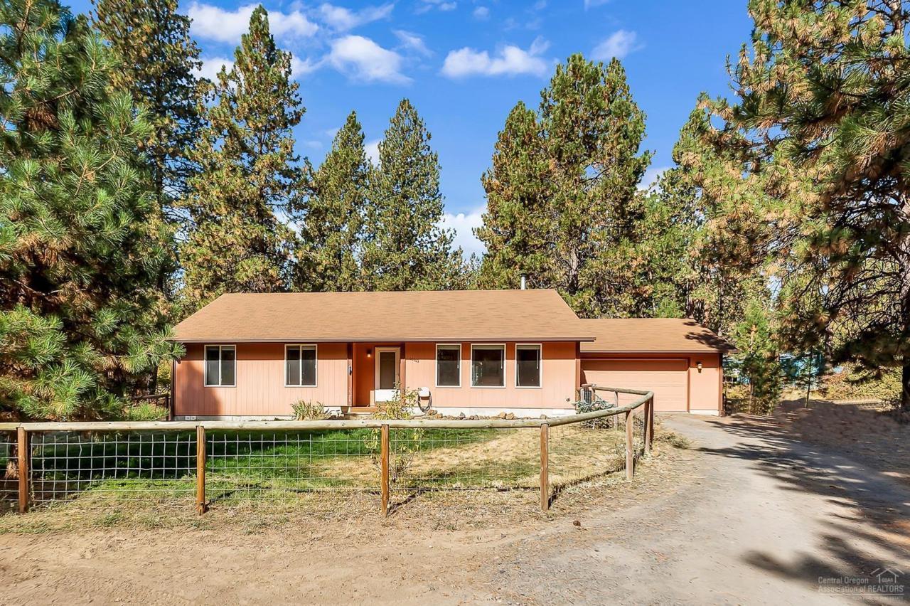 60363 Zuni Circle, Bend, OR 97702 (MLS #201609795) :: Birtola Garmyn High Desert Realty