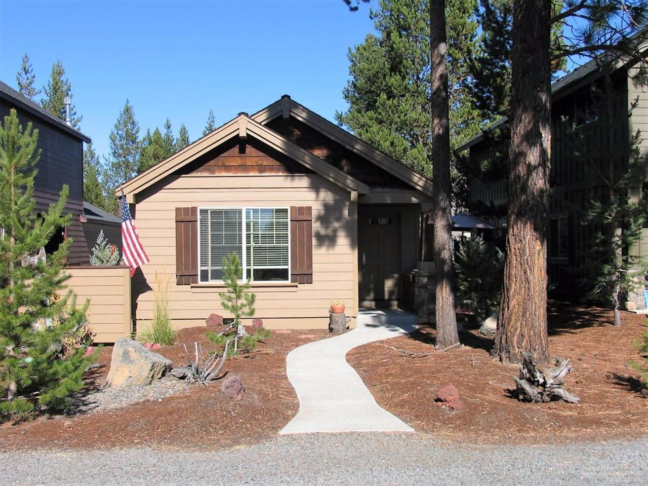 16587 Daisy Place, La Pine, OR 97739 (MLS #201609992) :: Birtola Garmyn High Desert Realty