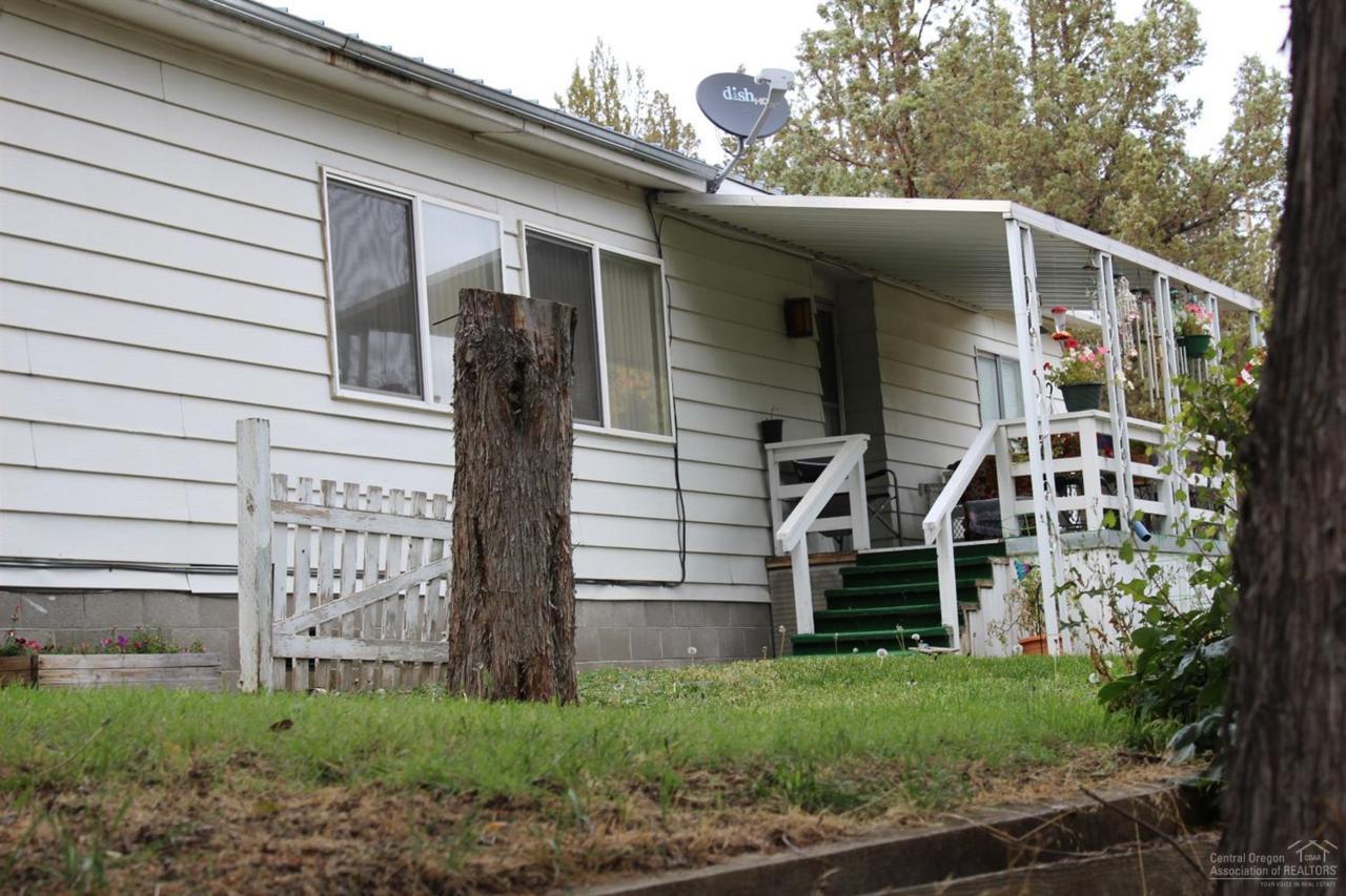 700 NE Rocky Top Road, Prineville, OR 97754 (MLS #201609995) :: Birtola Garmyn High Desert Realty