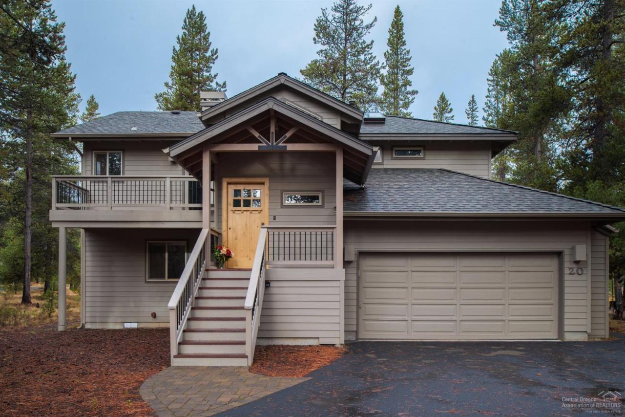 20 East Butte Lane, Sunriver, OR 97707 (MLS #201610113) :: Birtola Garmyn High Desert Realty
