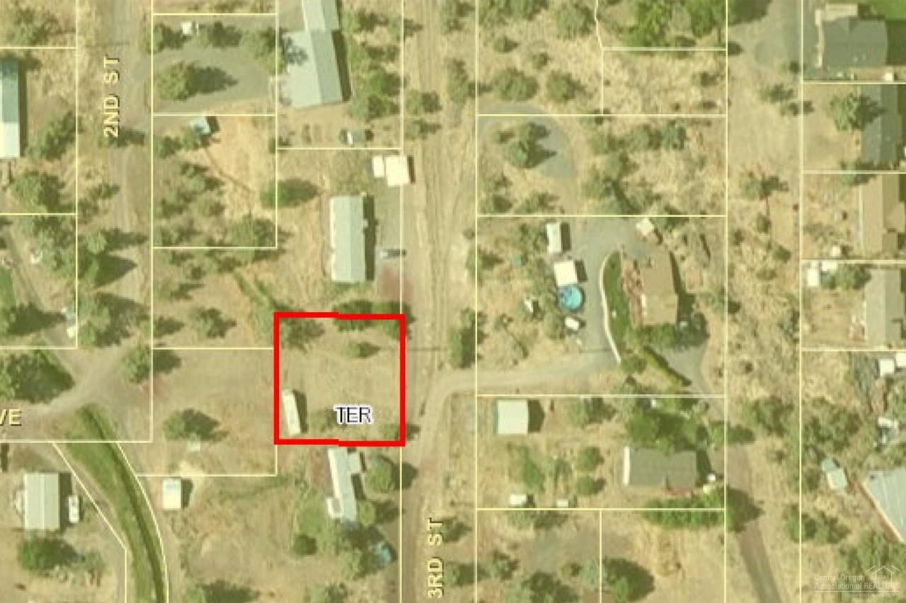 8545 3rd Street, Terrebonne, OR 97760 (MLS #201610143) :: Birtola Garmyn High Desert Realty