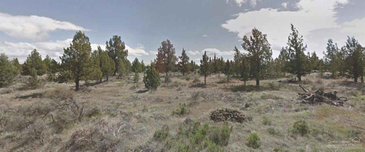 5855 SW Badger, Terrebonne, OR 97760 (MLS #201610263) :: Birtola Garmyn High Desert Realty