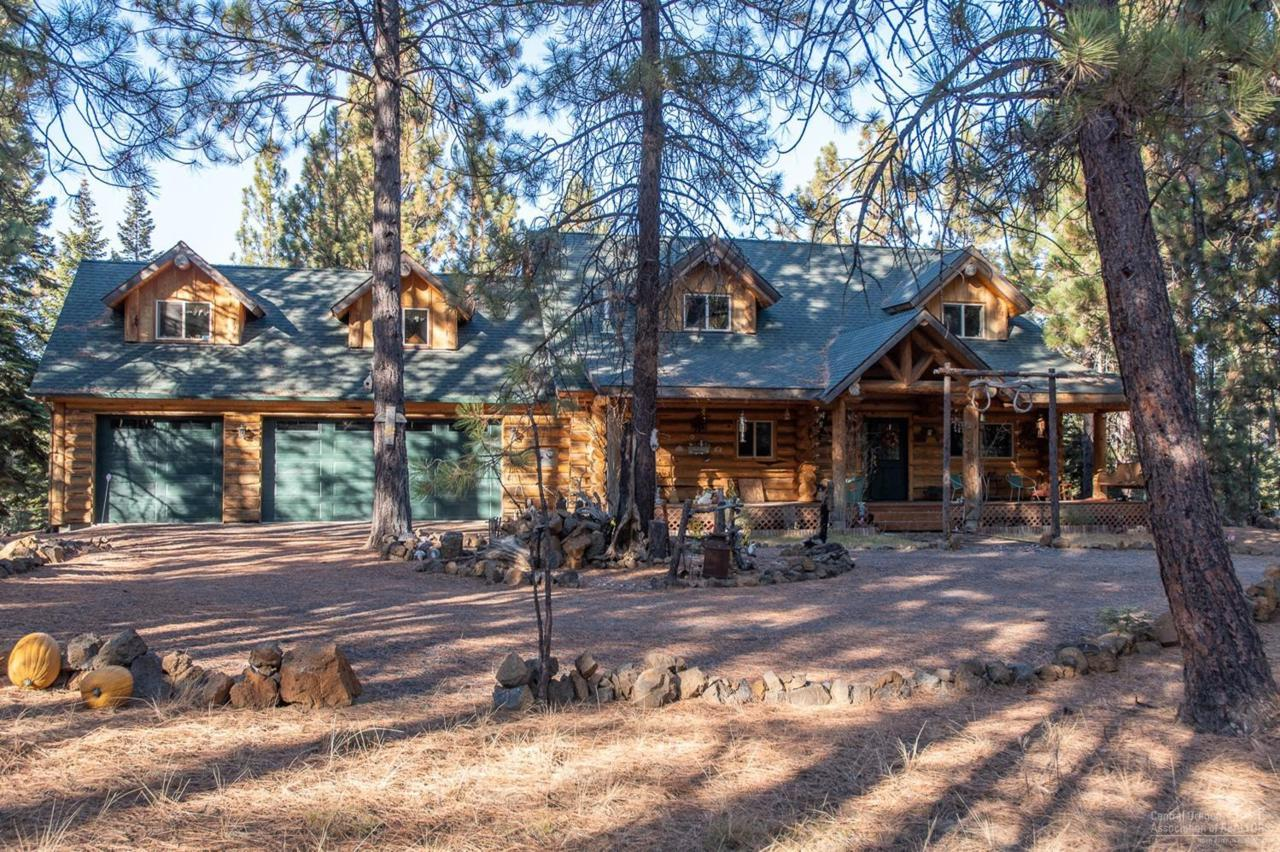 18660 River Woods Drive, Bend, OR 97702 (MLS #201811190 ...  River