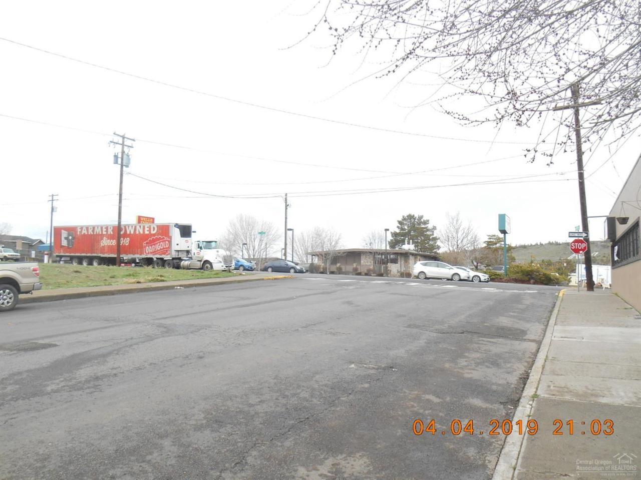 6-7 E Street - Photo 1